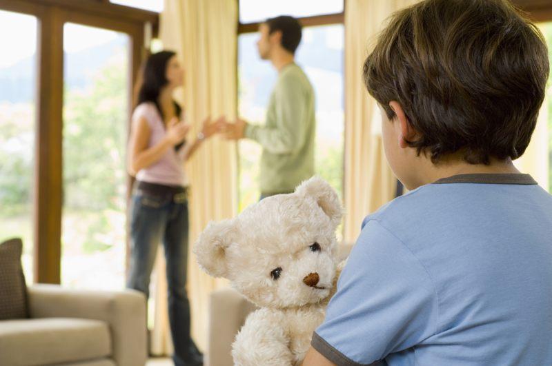 Как определяются права родителей на детей при разводе