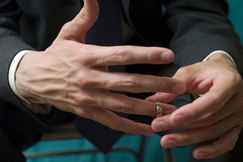 Жена подала на развод: что делать мужу